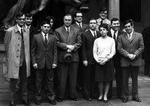 Egidio Giannessi con neolaureati in Sapienza